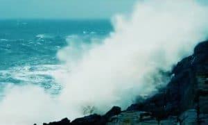 A Ciara viharciklon Írország nyugati partjainál