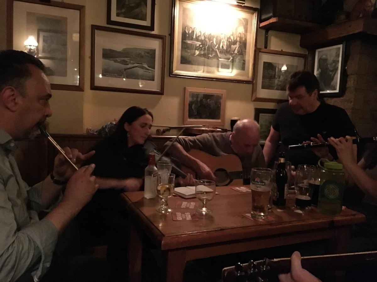 Ír kocsma Donegalban